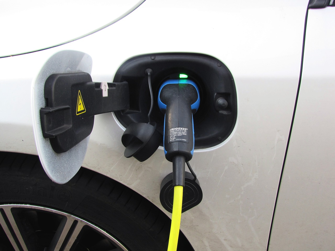 The Different Types Of Hybrid Vehicles: HEV's, & PHEV's